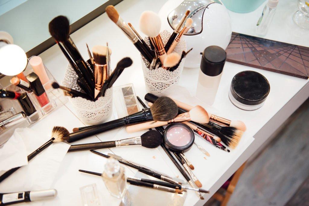 vanity dresser clutter
